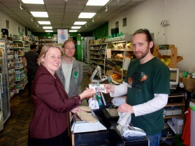 Natalie Bennett, leader of the Green Party for Englend and Wales, came to the ward to support my campaign. We changed some money into Bristol Pounds and she bought her lunch at local shop Harvest before helping campaign on Gloucester Rd
